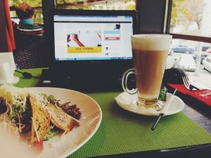 coffee for universities - lunch, latte and laptop